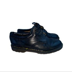 vintage Dr Martens new england leather boots shoes